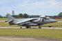 Gerade aus Afganistan zurück, wird dieser Harrier zum Triebwerkstest gezogen.