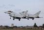Die Ausbildung auf dem Eurofighter erfolgt in Conningsby. Dazu gehören auch Formationslandungen.
