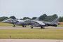 Parallelstart zweier Harrier GR.9, der vordere gehört zu einer der zwei Royal Navy Squadrons