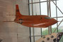 Und noch ein Rekordflugzeug, die Bell X-1. Chuck Yeager durchbrach mit ihr als erster Mensch am 14. Oktober 1947 die Schallmauer.