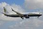 Miami Air mit einer Boeing 737-800. Sie fliegen auch regelmäßi im MAC Charter für die Air Force.