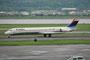 Delta ist weltweit größter Betreiber der MD 88, hier die N964DL