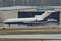 Eine private Boeing 727-31 parkte im General Aviation Bereich. Der strömende Regen und die große Distanz verhinderten leider mehr Kontrast.
