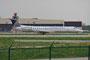Eine weitere Embraer der Expressjet beim Line-up. Ohne Leiter ist der Flughafenzaun leider immer im Bild.
