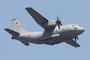 Als erstes kam das entführte Flugzeug, eine Alenia C-27J Spartan.