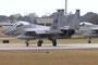 Bis zu vier F-15 finden in Lakneheath nebeneinander Platz auf der Bahn. Auf der vorderen Maschine sind zwei Abschußmarkings erkennbar.
