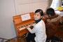 小学部才谷先生のオルガン演奏で