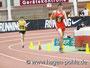 Nils Brembach hat mittlerweile Mathis überholt und hat schon 10 m Vorsprung.