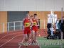 Hagen Pohle überrundete gerade Nils Brembach und Wilfried Gaube. Hagen ist wieder Berlin-Brandenburger Hallenmeister der MJA in 20:45,62min.