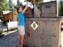Unerreichbar - Müll ist nicht für Bären