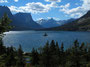 Erhabene Gebirgswelt - Lake Saint Mary im Glacier Nationalpark in Montana
