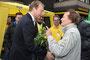 Am Tag vor den Landtagswahlen 2012 in NRW besuchte Christian Lindner seine Heimatstadt Wermelskirchen. Christian Lindner und Horst Felten plaudern über alte Zeiten