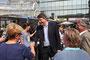 Philipp Mißfelder, Bundesvorsitzender der Junge Union und außenpolitischer Sprecher der CDU Bundestagsfraktion besucht den Stand der JU am Allee-Center