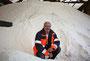 Der Winter kann kommen. Michael Sauer von den Remscheider Entsorgungsbetrieben im gefüllten Salzlager der Stadt Remscheid