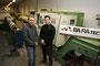 Vitali Bakaev (GF) und Fabrice Koch von der Firma Baratec CNC Präzisionszerspanung aus Radevormwald