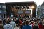 Musicals in Concert mit der Rainbow Band auf dem Marktplatz in Radevormwald