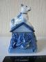 Собачка на будке (шкатулка) Фарфоровый завод «Пролетарий», 1970- 80-е гг. Роспись подглазурная, высота  9  см Марка: красная