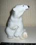 Белый медведь сидящий 1949г. Б.Я Воробьев. Роспись надглазурная полихромная, высота 11 см.