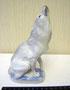 Воющий волк 1938-1939 гг. Б.Я Воробьев. Роспись подглазурная, высота  17,8 см. Марка: без марки