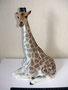 Жираф с поднятой головой 1962 г. П.П.Веселов, В.М.Жбанов. Роспись подглазурная  полихромная, высота 29,6 см. Марка: Б/м
