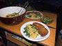 Schweinsschnitzel, schwäbischer (schlonziger) Kartoffelsatat mit Feldsalat