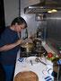Kürbissuppe mit Birnen und Äpfeln in Arbeit