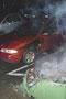 Brennender Müllcontainer beschädigt Auto