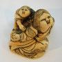 Netsuke 1014  Japanisches Katabori Netsuke 形彫 erotisches Shunga Netsuke  Mutter mit jap.Befriedigungsgerät und Kind Edo um 1840 EUR 1150,00