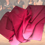 2.) Chorschal mit Farbverlauf Farbe Aubergine - Feld Textil GmbH aus Krefeld - https://www.krawatten-tuecher-schals-werbetextilien.de/
