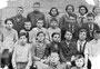 """5-й """"А"""" класс малоузенской школы. В ряду с преподавателями 3-й слева - Лукашов Николай Андреевич. 1936 г."""