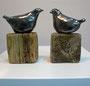 Keramikvögel auf Holzsockel, 2014, Höhe ca. 20 cm