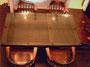 古い扉を利用したテーブル
