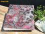 Fotoalbum Farbenpfade - 30cmx30cm, 100 Seiten weiß, Bezug: Baumwollstoff grau mit erhabenen, samtigweichen, verschlungenen Pfaden von creme, rosa, dunkelrot und braun.