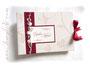 Fotoalbum und Gästebuch zur Hochzeit in den Farben creme, dunkelrot und rosa. Buchschmuck: weiße Rosen, Herz aus Glas, Perlen und Bänder.