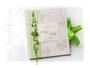 Hochzeitsgästebuch mit Herz aus Glas im filigranen Buchschmuck.