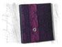 Fotoalbum - 25cmx30cm, 100 Seiten naturweiß, Bezug: violett-schwarzer Tülltaft gemustert, Buchschmuck: vertikale Borte mit antiksilberfarbenem Herzknopf.