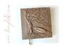 Foto-Gästebuch -Der Baum des Lebens- mit beschriftetem Holz-Label.