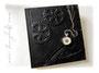"""Fotoalbum """"Zeitreise"""" - Reliefeinband mit schwarzem Lederimitat bezogen. Fotoalbum-Buchblock in schwarz, mit bedrucktem Metallic-Karton als Vorsatzpapier. Angefertigt nach den Vorstellungen von ڿڰ✿ Torsten. DANK & GRÜSSE nach Österreich"""