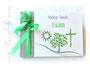 Foto-Gästebuch - 21cmx16cm, 20 Blatt weiß, mit individueller Grafik (Wunschtext, Sonne, Baum, Kreuz, Wiese) bedruckter Einband in den Farben weiß, taupe und apfelgrün.
