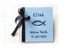 Fotoalbum zur Taufe in weiß, hell- und dunkelblau mit Namen und Taufsymbol Fisch.