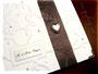 Fotoalbum mit Nappa-Velour-Lederimitat-Einband in naturweiß. Metallschild silberfarben, gebürstet mit Gravur. Herzanhänger antiksilberfarben. Angefertigt nach den Wünschen von ڿڰ✿ C.B. - DANKE!