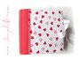 Gepolstertes Fotoalbum - 30cmx30cm, 100 Seiten weiß, Bezugstoff: Leinen bedruckt, Buchschmuck: Zierborte rot, Schleifenverschluss weiß, Metall-Buchecken weiß.