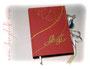 Poesiealbum - Hardcovereinband mit Strukturpapier in Rot bezogen. Fadengehefteter Buchblock aus hellgelben und cremefarbenen Lagen. Schleifenverschluss, Leseband und Name auf dem Cover. Eine Buchanfertigung nach den Wünschen von ڿڰ✿ M.F. aus T. DANKE!