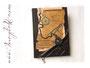 Reisetagebuch - Das individualisierbare Reisetagebuch mit antikem Charakter ist mit dunkelbraunem Lederimitat bezogen. Spezielle Einbandgestaltung mit nautischen Elementen, Taschenuhr und Karte nach Wunsch.