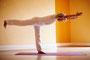 Virabhadrasana, Yoga Heldin: schult das Gleichgewicht, macht stark und mutig