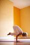 Kakasana, die Krähe: reine Kopfsache, stärkt dein Selbstbewusstsein
