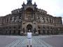 Vor der Semper-Oper in Dresden