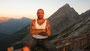 """Als letzter Berg wurde einige Tage später der Watzmann auf der deutschen Seite in Angriff genommen. Ralf Seeger ist hier auf der Höhe der Watzmann- hütte zu sehen, auf einer Seehöhe von knapp 2.000 Metern. Im Hintergrund ist die sogenannte """"Watzmann-Frau"""""""