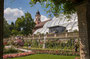 Kirchturm mit Palmenhaus