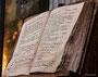 ein uraltes Kirchenbuch